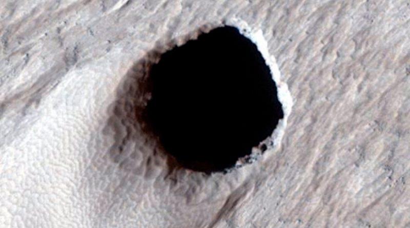 Un enorme tubo de lava localizado en Marte