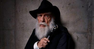 Muere James Randi quien dedicó su vida a desmentir afirmaciones paranormales y a desenmascarar a pseudocientíficos