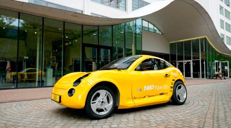 Startup israelí fabrica un automóvil con fibra de coco y vasitos de yogurt