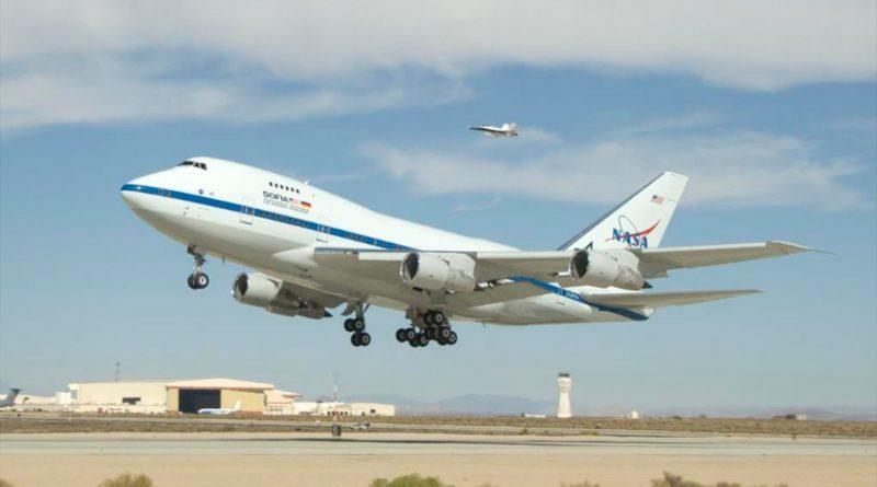 Cómo es SOFIA, el avión de la NASA clave en el descubrimiento de agua en la Luna