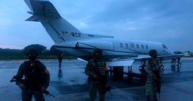 Ejército y Fuerza Aérea Mexicanos aseguraron una aeronave y más de una tonelada y media de probable cocaína en Quintana Ro