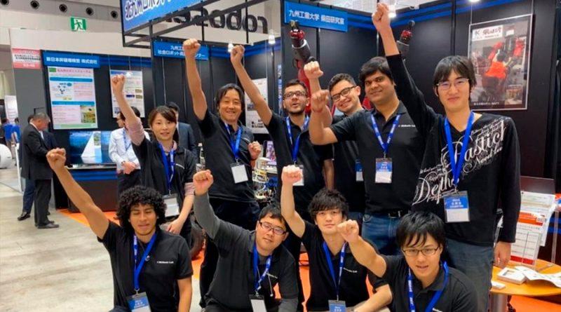 Estudiante mexicano gana concurso de robótica en Japón