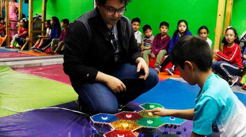 Estudiantes mexicanos participan en Congreso Internacional por crear juguetes para menores con autismo