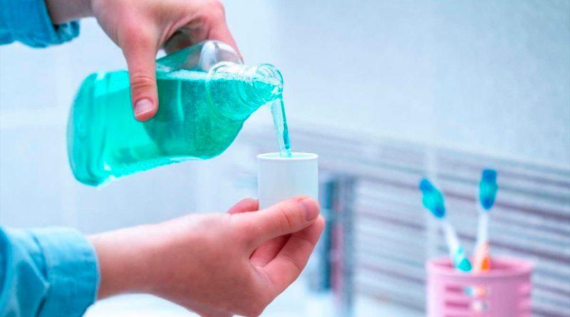 Recomiendan uso de enjuagues bucales con antisépticos para reducir el riesgo de transmisión de covid-19