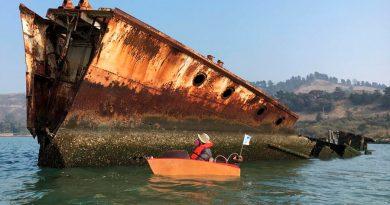 Con este mini bote eléctrico DIY que cabe en el maletero navegarás por cualquier río u océano