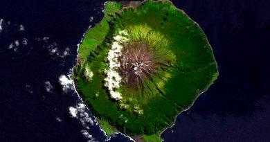 """La """"isla más remota"""" del orbe crea zona de protección de vida marina"""