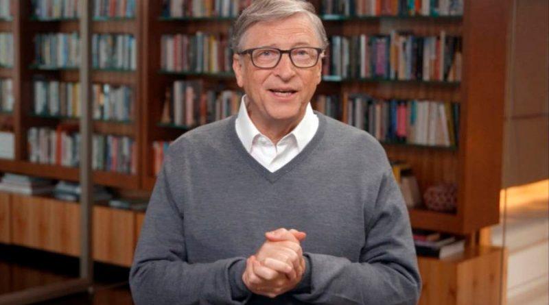 Bill Gates compara a los anti mascarillas con los nudistas