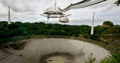 Una plataforma de 900 toneladas amenaza con destrozar el mítico radiotelescopio de Arecibo