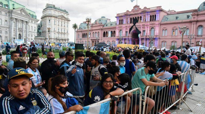 ¿Puede convertirse la despedida de Maradona en un evento súper contagioso?