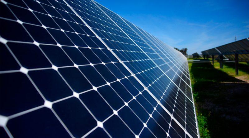Inventan manera de crear paneles solares más eficaces y baratos