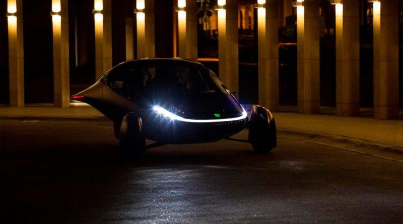 Este vehículo eléctrico funciona con energía solar y ofrece una autonomía de hasta 1.600 km