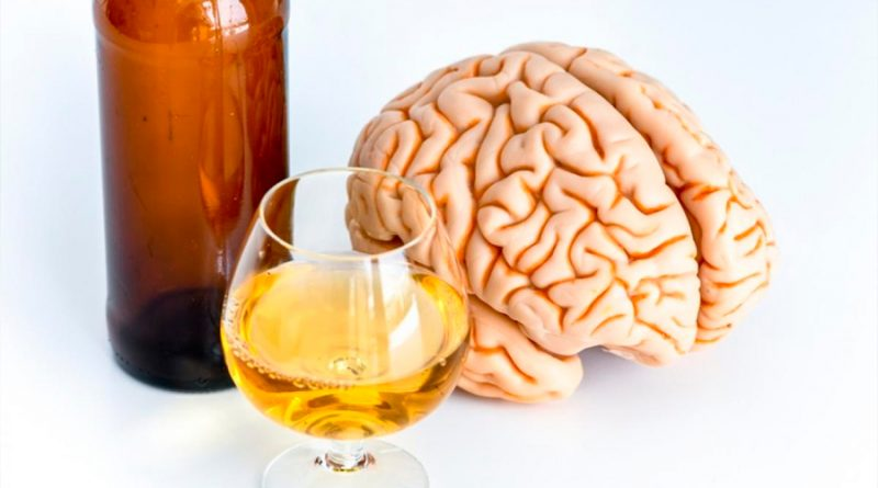 El alcohol bloquea una sustancia química que permite prestar atención
