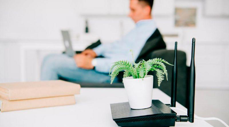 Con este sencillo truco podrás averiguar la contraseña del WiFi de tu casa... o de cualquiera