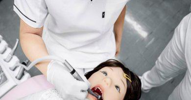 Ingenieros fabrican un robot humanoide que simula el comportamiento de un niño en la consulta