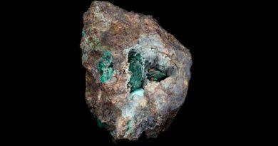 """Kernowita, el """"increíble"""" nuevo mineral descubierto en una roca extraída de una mina hace 220 años"""