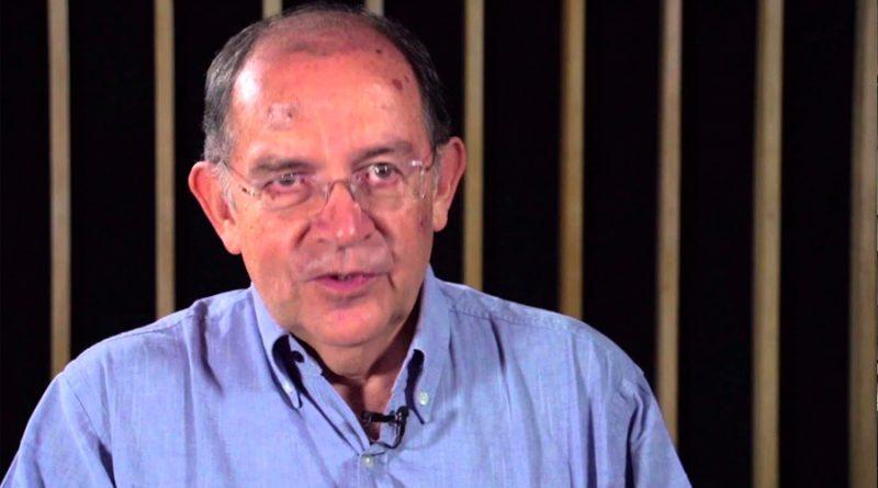Necesario que las lenguas puedan sobrevivir en un lugar que no les parezca prestado: Luis Fernando Lara