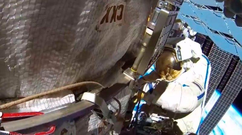 Impacto de un probable micrometeorito habría ocasionado una grieta en la Estación Espacial