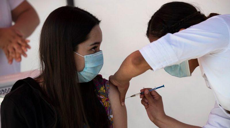 Evoluciona salud de la doctora mexicana que tuvo reacción adversa a vacuna anti-covid19