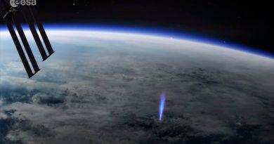 La génesis de un rayo azul, observada desde la Estación Espacial