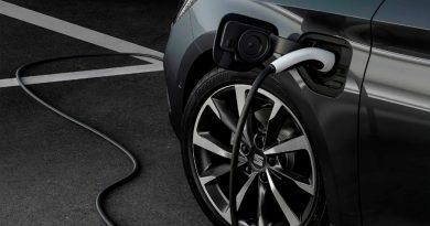 Fabrican primeras baterías para autos que se cargan en cinco minutos