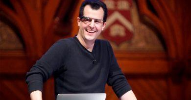 """Lo que hace David Malan en sus clases para ser """"el profesor estrella de informática de Harvard"""""""