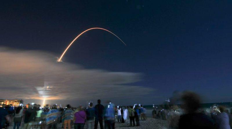Tres hombres pagan 55 millones de dólares cada uno para volar hacia la Estación Espacial Internacional