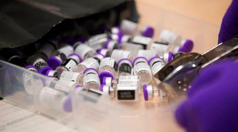 La francesa Sanofi producirá vacunas para Pfizer