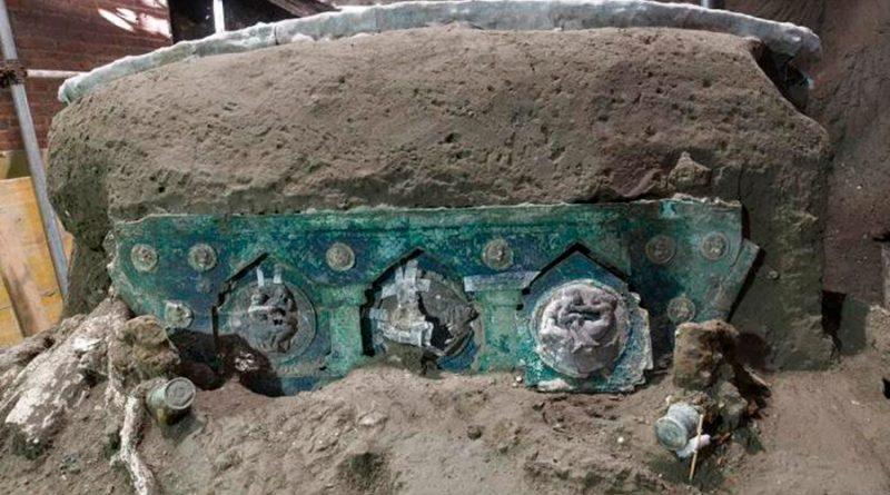 Hallan carro ceremonial casi intacto cerca de Pompeya