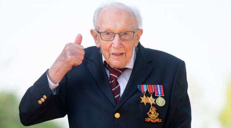 Muere Tom Moore, veterano de 100 años que recaudó millones para luchar contra la covid-19, tras haberse contagiado