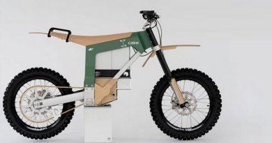 Kalk AP, la moto solar y silenciosa para perseguir a los cazadores furtivos en África