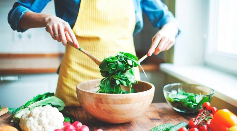 Dieta vegana puede afectar la salud ósea, según estudio alemán