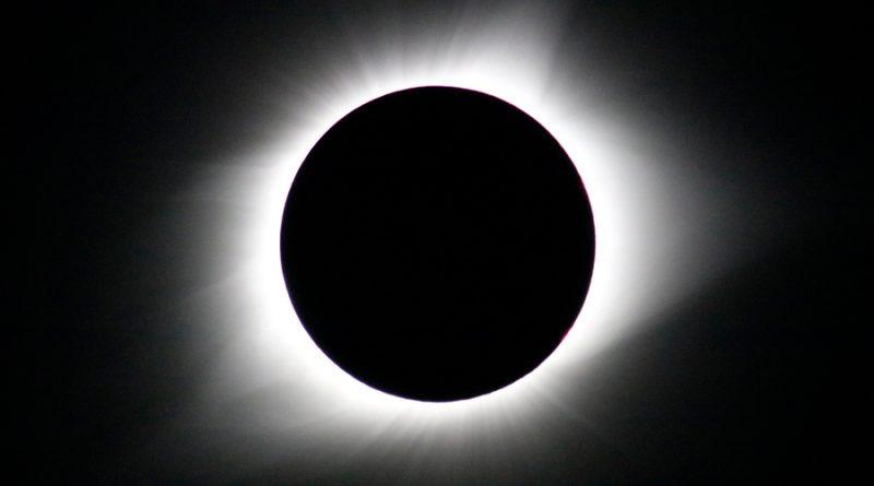 Confirman teoría sobre el Sol anunciada en el 2004