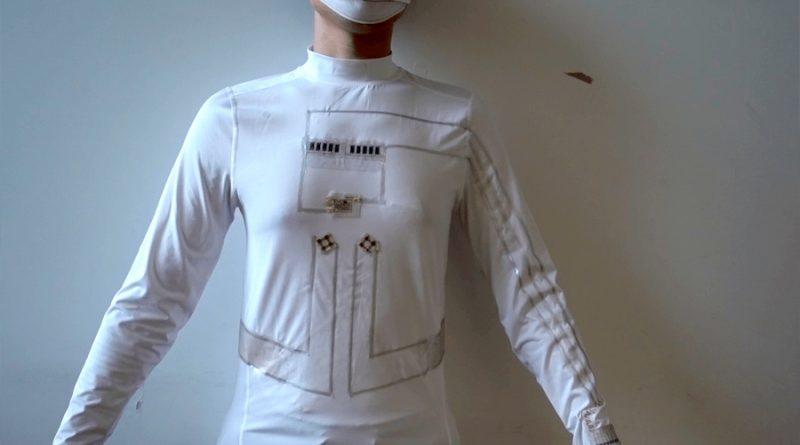 Una camiseta es capaz de cargar pequeños dispositivos electrónicos a partir del movimiento y el sudor