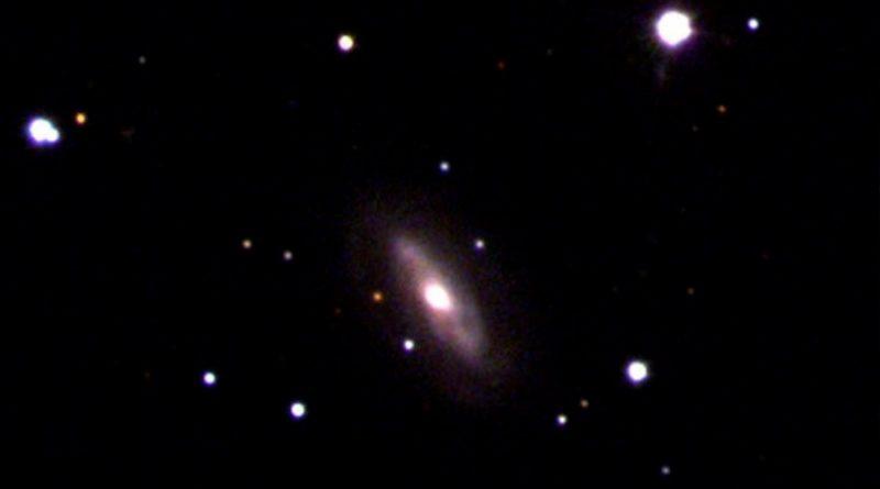 Detectado un agujero negro supermasivo en movimiento
