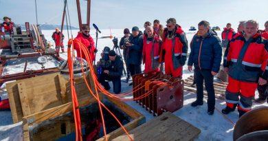 Rusia inaugura el mayor telescopio submarino del mundo