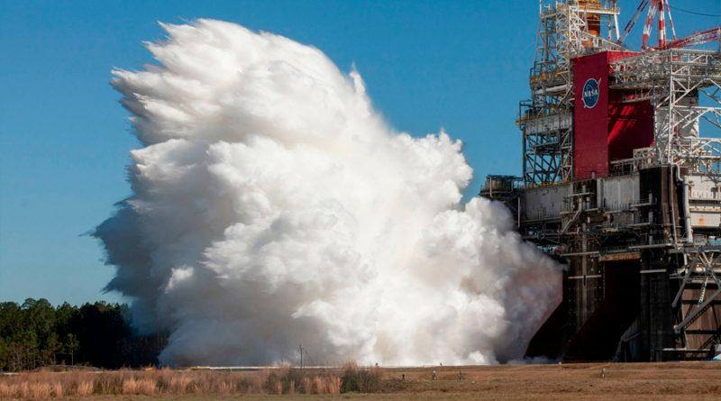 La NASA completa con éxito prueba para lanzar cohete a la Luna