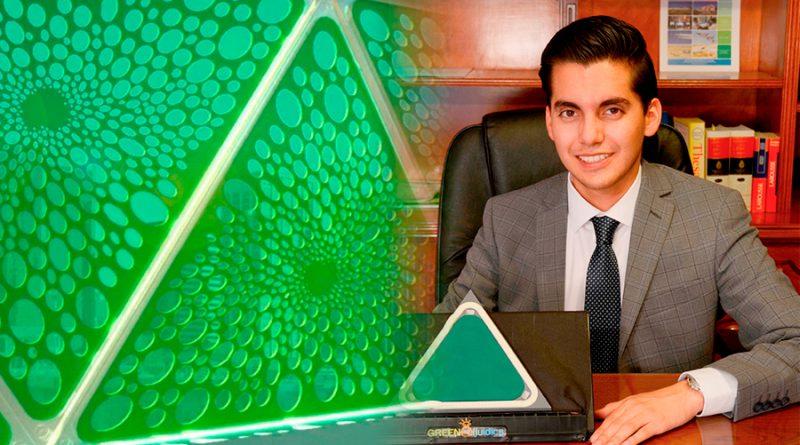Innovador mexicano crea paneles solares biológicos que producen energía y oxígeno mientras absorben CO2
