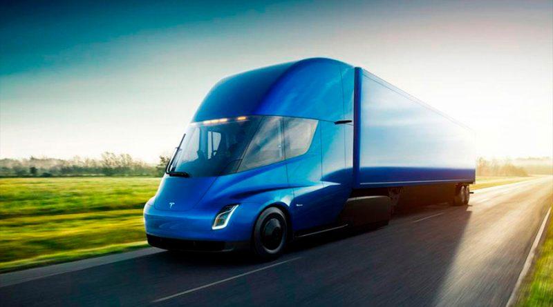 El camión Tesla Semi empieza a probarse en un circuito