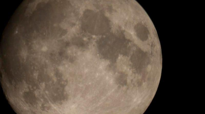 Investigan cómo los robots pueden bajar por cuevas formadas en la Luna