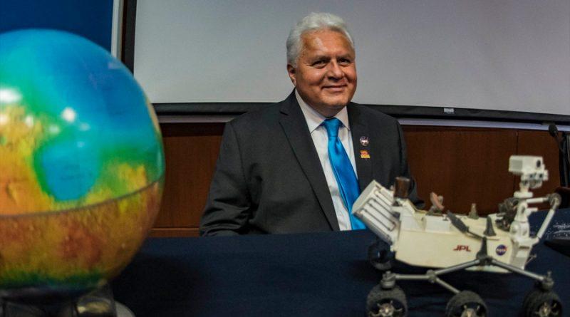 Ponen el nombre del mexicano Rafael Navarro González a montaña en Marte