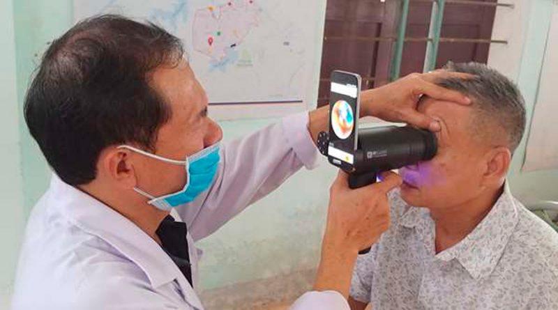 Samsung recicla sus móviles antiguos para detectar enfermedades oculares