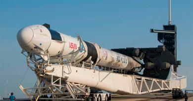 SpaceX gana contrato de la NASA para misión a la Luna por 2,900 mdd