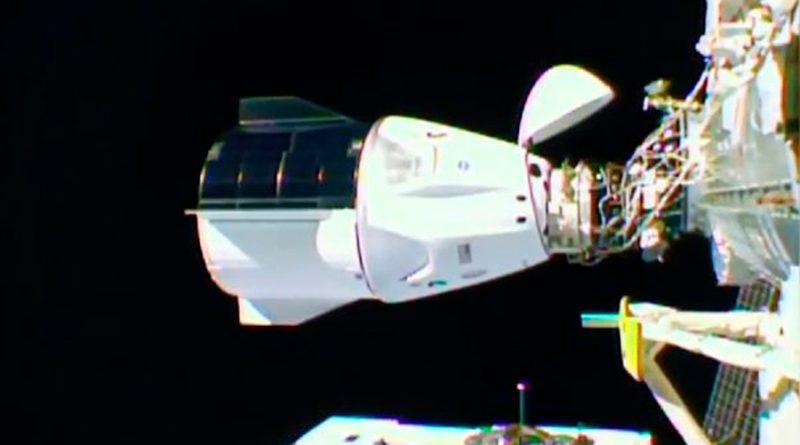 Nave de SpaceX con 4 astronautas de la NASA a bordo llega a la Estación Espacial Internacional