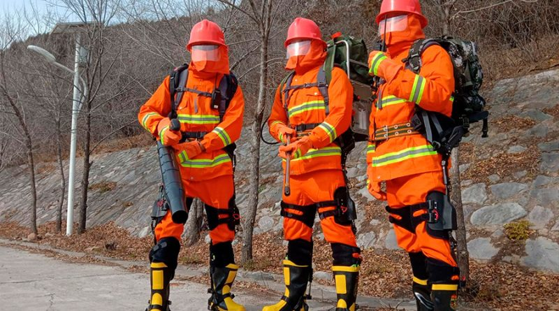 Los bomberos en China ya llevan exoesqueletos con ventajas sobrehumanas, y así funcionan