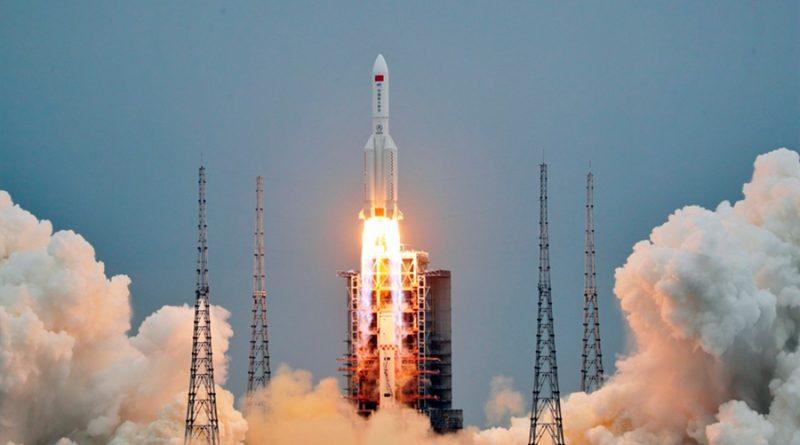 China lanza la cápsula central de su futura estación espacial
