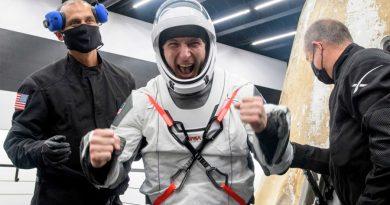 Primera misión conjunta de la NASA y SpaceX regresa a la Tierra con éxito