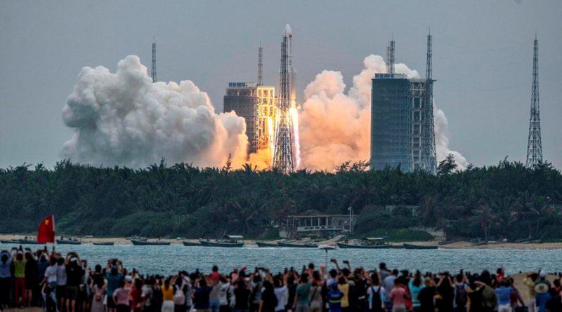 Restos del cohete espacial chino caen sobre Océano Índico