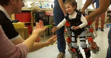 Disponible el primer exoesqueleto del mundo para niños con atrofia muscular espinal