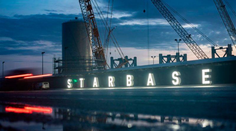 """Elon Musk inaugura Starbase, la """"ciudad"""" de EU desde donde planea conquistar el espacio"""