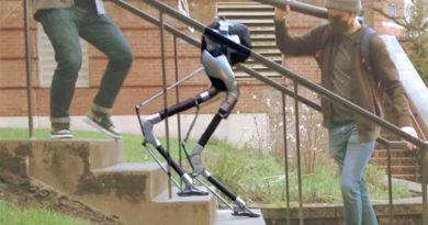 Ahora ya los robots son capaces de subir y bajar escaleras, y sin apoyo visual
